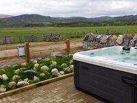 Hot tub overlooking highlands and Insh marshes