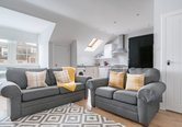 Edinburgh-Flats-holiday-rental-Royal-Mile-High-Street-lounge