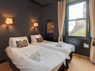 CastleEsplanade-12 - Double bedroom with optional twin or kingsize bed and view to Edinburgh Castle