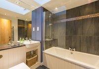 hayloft-scotland-edinburgh-balerno-village-bathroom-1