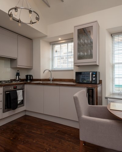 Old Fishmarket Close 2 - Modern family kitchen in open plan living and kitchen area