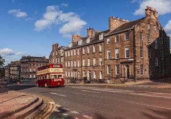 North Charlotte Street - High-end self-catering apartment in chic neighbourhood (© The Edinburgh Address)