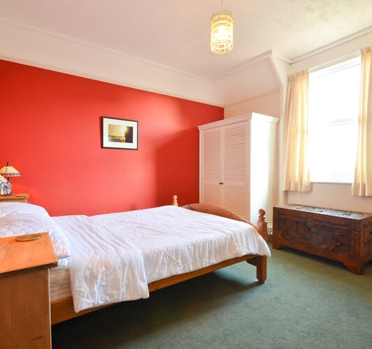 Bedroom 1 (Double) - Seaview - Wight Holiday Lettings - Bedroom 1 (Double)