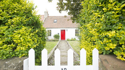 Driftwood Cottage, stunning 3 bedroom pet friendly holiday cottage in East Linton, near North Berwick - Welcome to Driftwood Cottage! (© Coast Properties)