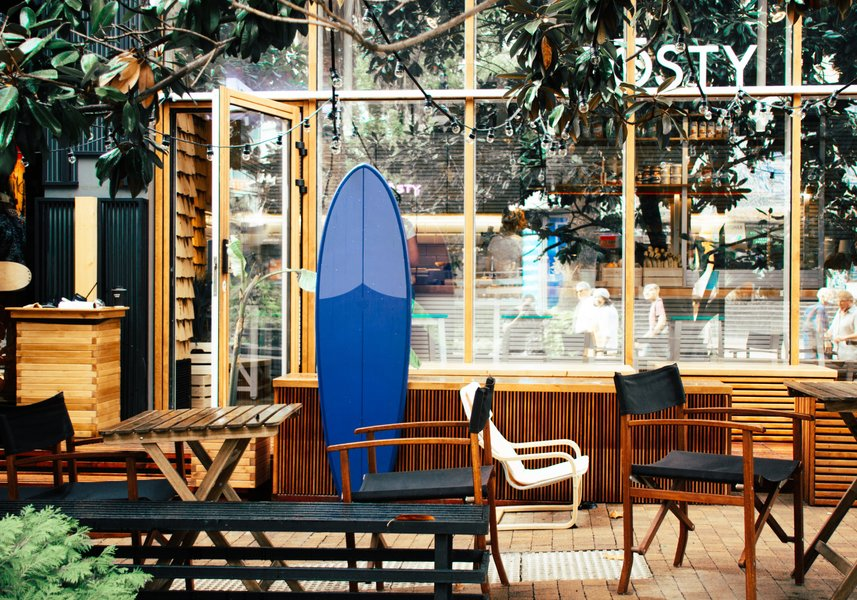 surf-cafe-urban-hipster-travel-relax-style