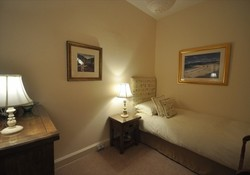 Holiday home in North Berwick with garden and sea views