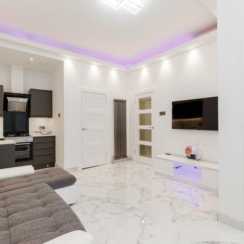 Ultra-modern open plan living/kitchen area in Edinburgh holiday let