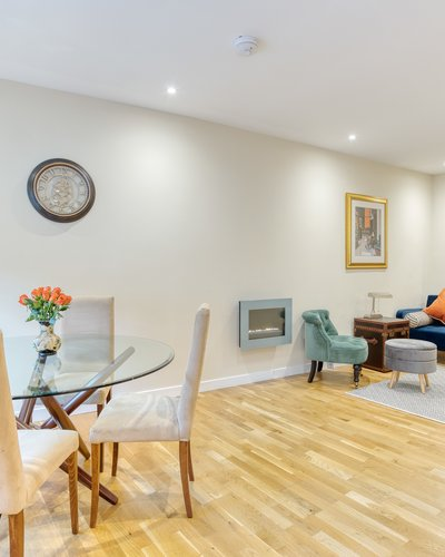 Gloucester Lane 2 - Modern and bright open plan dining / living area in New Town Edinburgh apartment.