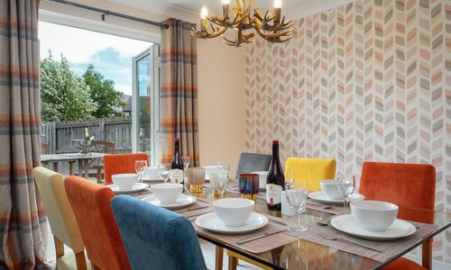 Self catering accommodation Aviemore - Relax in the comfort of your Aviemore Holiday home. Enjoy dining in at Eagle Lodge.