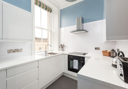St Giles Edinburgh Self Catering Ltd kitchen