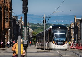 Neighbourhood - Easy access to Tram