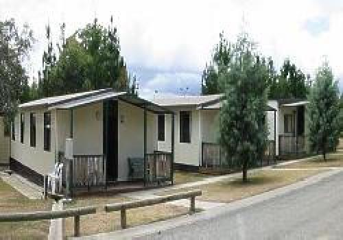 eaglehawk holiday park sutton canberra the snowy sthn. Black Bedroom Furniture Sets. Home Design Ideas
