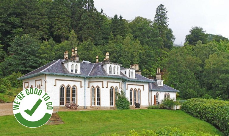 Exclusive Use Event Private Hire Unqiue Retreat Loch Lomond - Cottages Lodges Homes with Hot Tubs