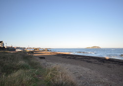 Self catering stunning seafront North Berwick flat