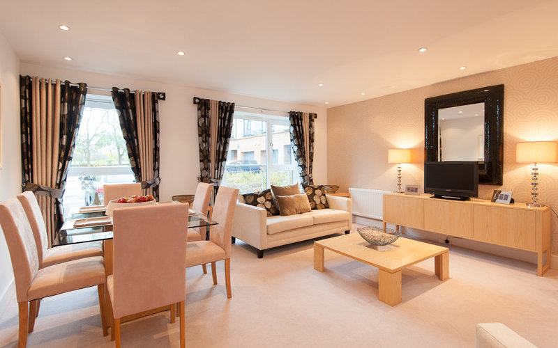 Corstorphine-01 - Large spacious and bright room
