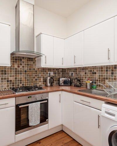 Warrender Park Road 2 - Large family kitchen in Edinburgh holiday let