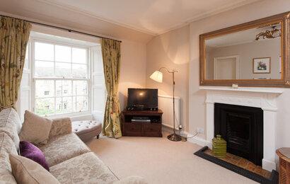 Hart Street Apartment-18 - Family living room in luxury Edinburgh holiday let