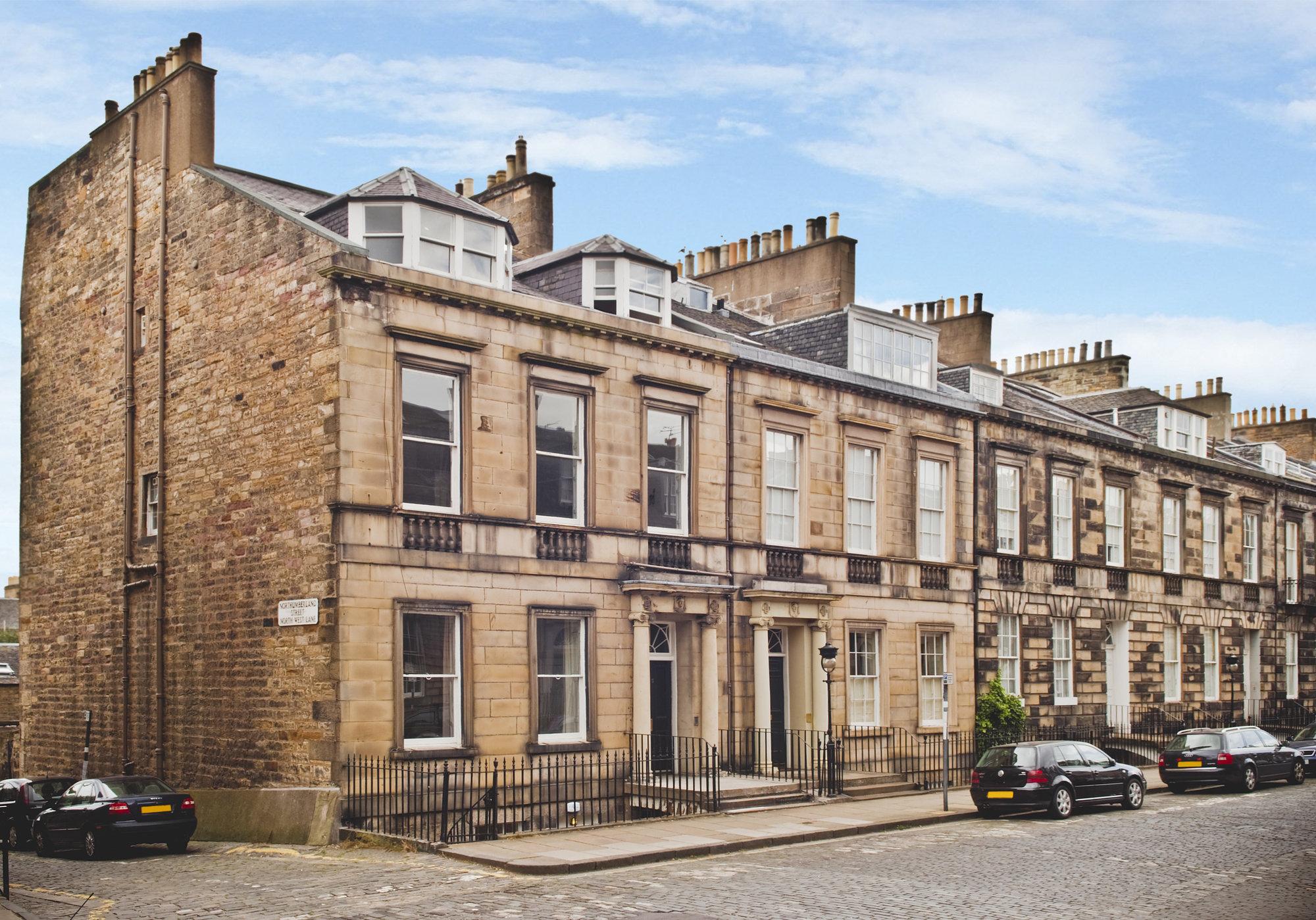 Local Area - Northumberland Street (© The Edinburgh Address)