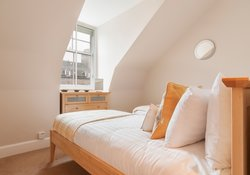High-Street-bedroom 3