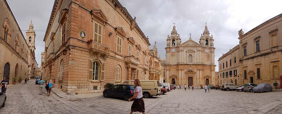 """""""Gozo's Empty Streets"""""""