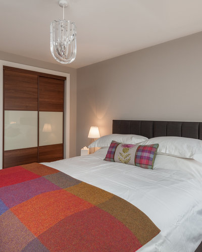 Ocean Drive 2 - Modern master bedroom at Edinburgh holiday let