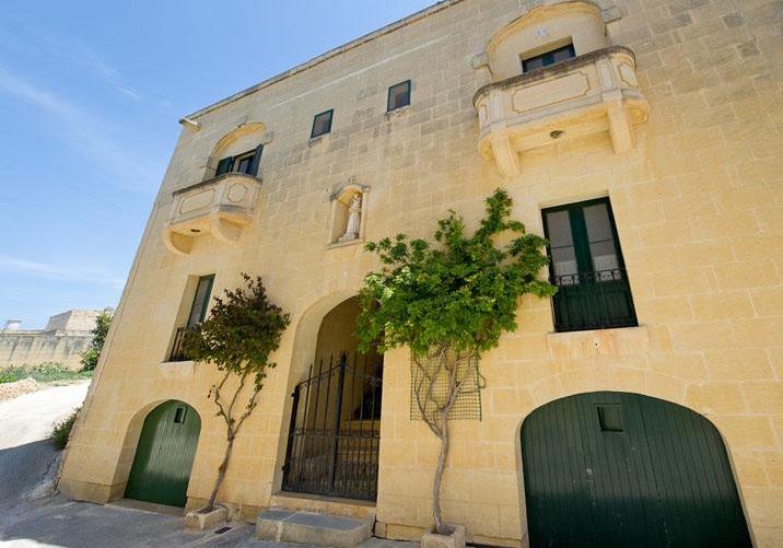 Malta, Gozo villa