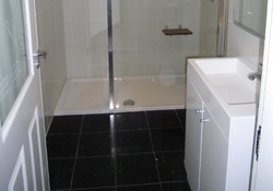Fresh and clean - Large walk in shower