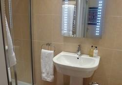 Bathroom 3_290994211