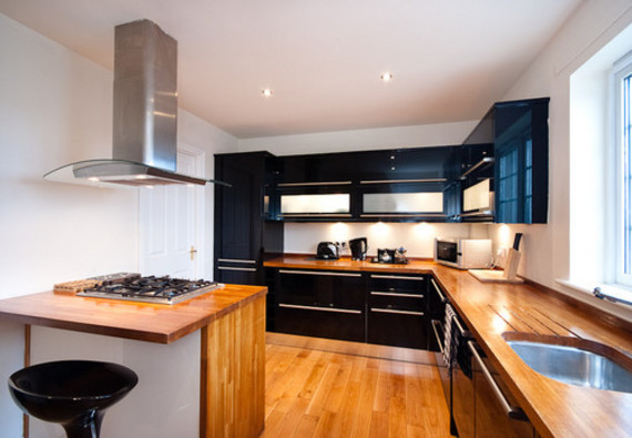 Picture of Ratcliffe Terrace Apartment Sleep 10, Lothian, Scotland - large kitchen which unlike hotel never closes x