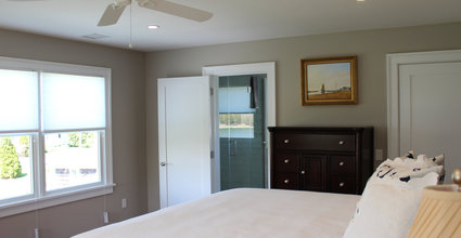 Waterfront Vacation Rental Suite 2-008