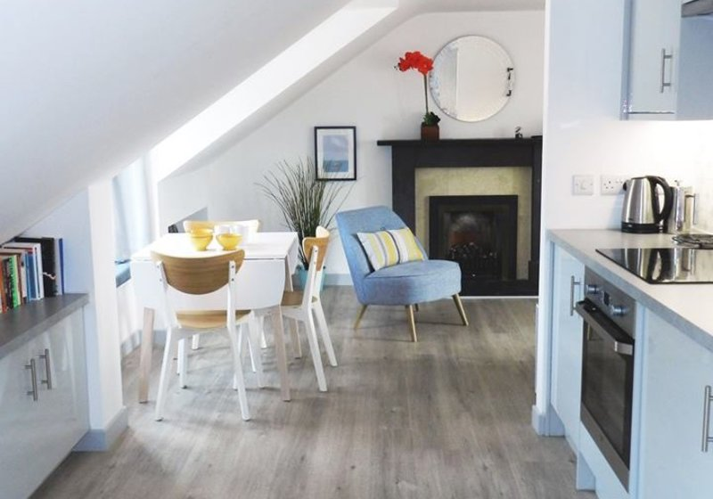 Architect designed luxury 2 bedroom apartment in North Berwick, close to beaches and minutes from lovely restaurants and bars - Open plan living (© Coast Properties)