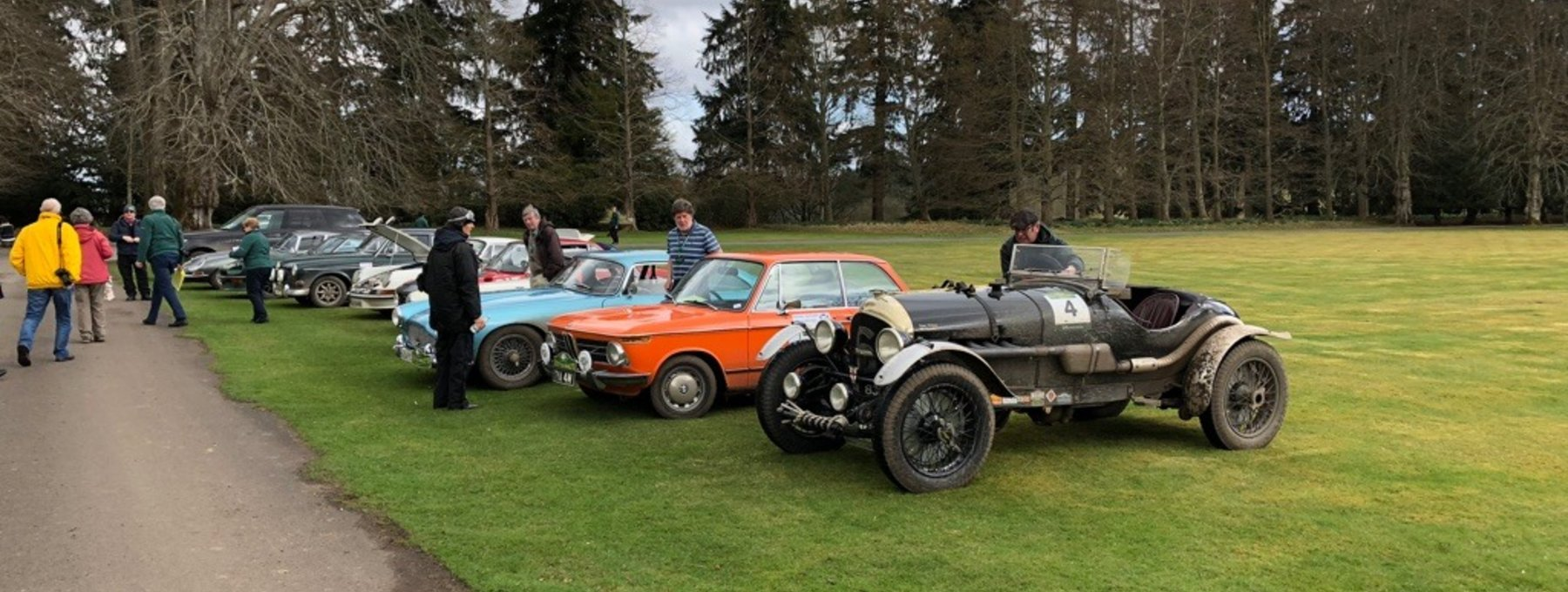 Scottish Malts Classic Car Rally - Murthly Castle makes the perfect stopover point for a car rally - for lunch, tea, coffee or just a registration point. (© Murthly Estate)