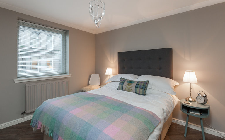 OceanDrive-17 - Modern double bedroom at Edinburgh holiday let