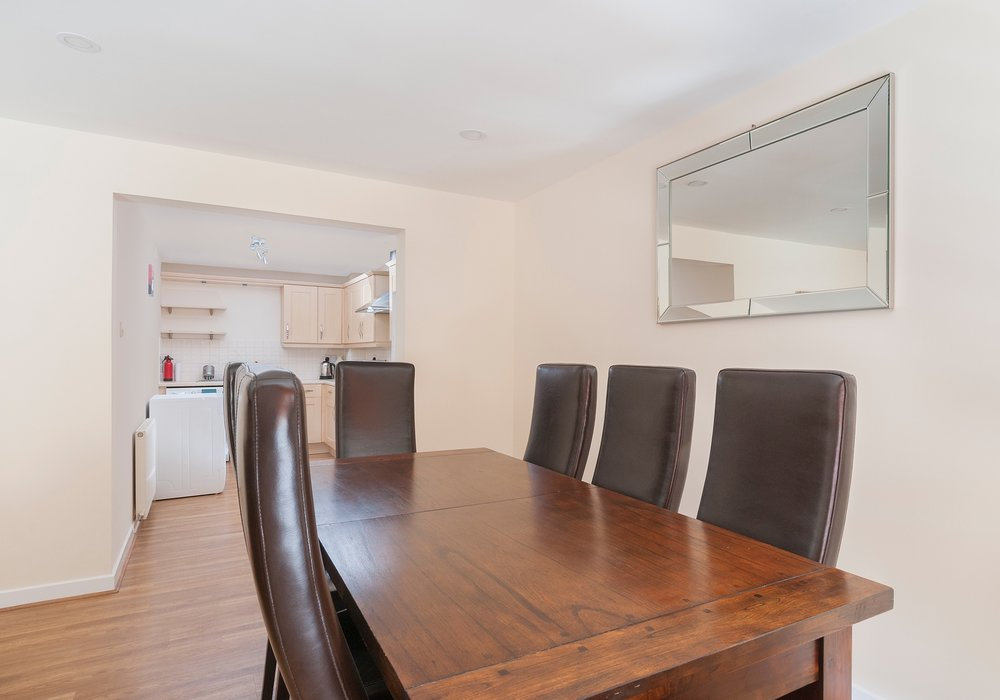 Dalry Gait Apartment Sleeps 7 Edinburgh Edinburgh Flats
