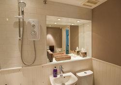 Castle View Apartment Bathroom