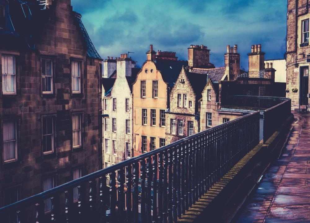 Are Edinburgh shops open on Sunday?