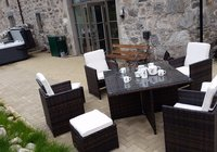 Osprey Lodge outdoor dining space