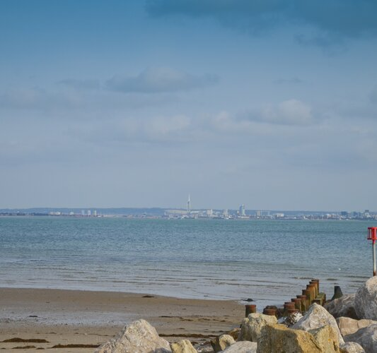 A view across the Solent - Seaview - Wight Holiday Lettings - A view across the Solent