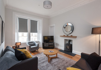 BrunswickStreet-2 - Large family living room in with sofa bed in Edinburgh holiday let