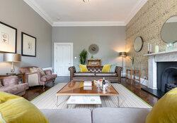 Castle View Apartment Living room 4