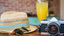 camera-hat-sun-drink-travel-hipster (© Creative Commons Zero (CC0))