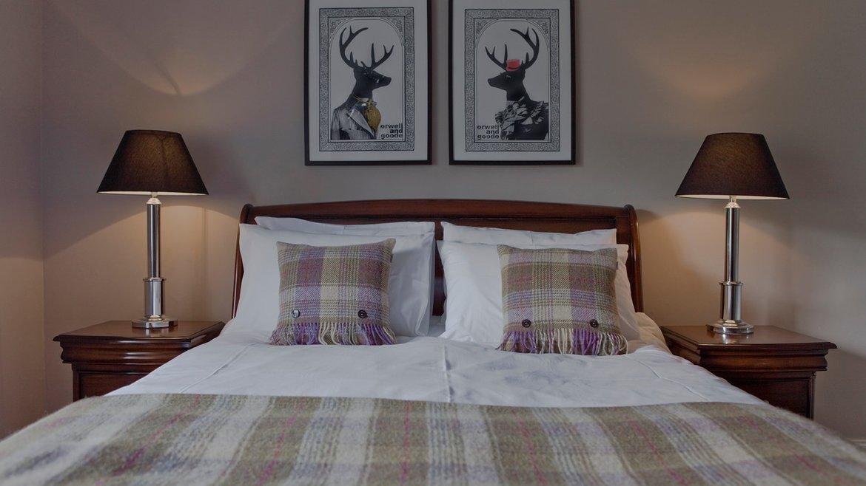 Edinburgh Castle Suite (21)