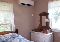 Waterfront Vacation Rental Cottage 5-022