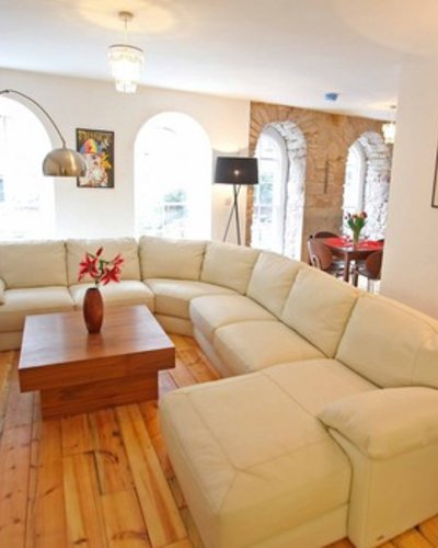 Picture of Niddry St 3, 150 metres from Royal mile, Lothian, Scotland - Living room