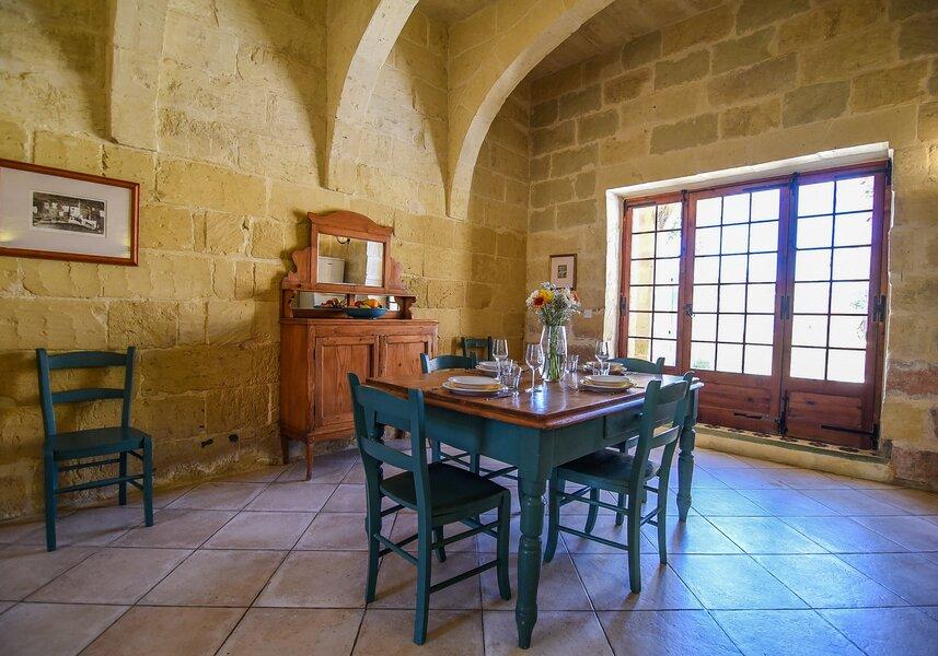 17. Dining area