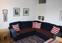 Self catering, Bay View sitting room , located in North Berwick
