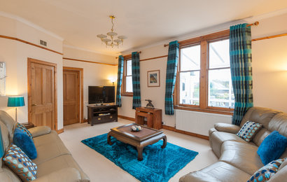 Traquair Park West 1 - Comfortable, tastefully decorated living room in Edinburgh holiday let
