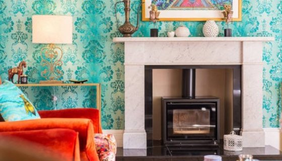 Luxury Properties - Holiday home near Edinburgh with fireplace and luxury details