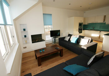 Gullane self caterring apartment - Spacious sitting room
