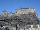 Castleside Apartment - This is the stunning view of the world famous Edinburgh Castle as you enter the entrance to the apartment complex.